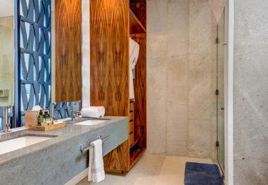 Villa Kin Ich Bathroom