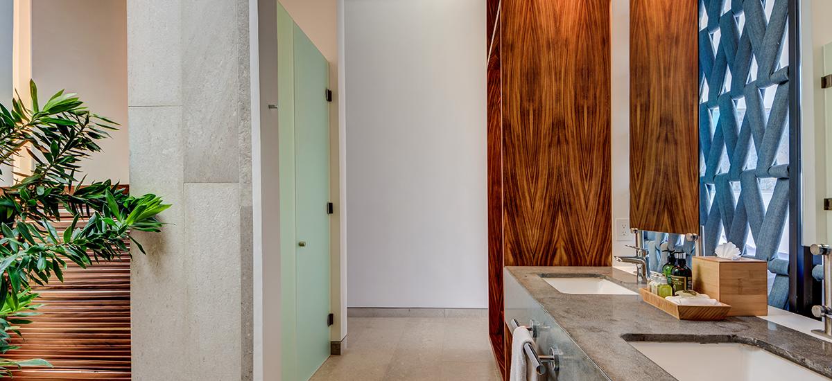 kinich bathroom