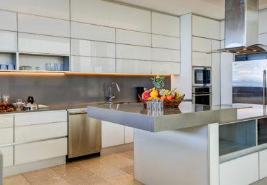 Villa Kin Ich Kitchen
