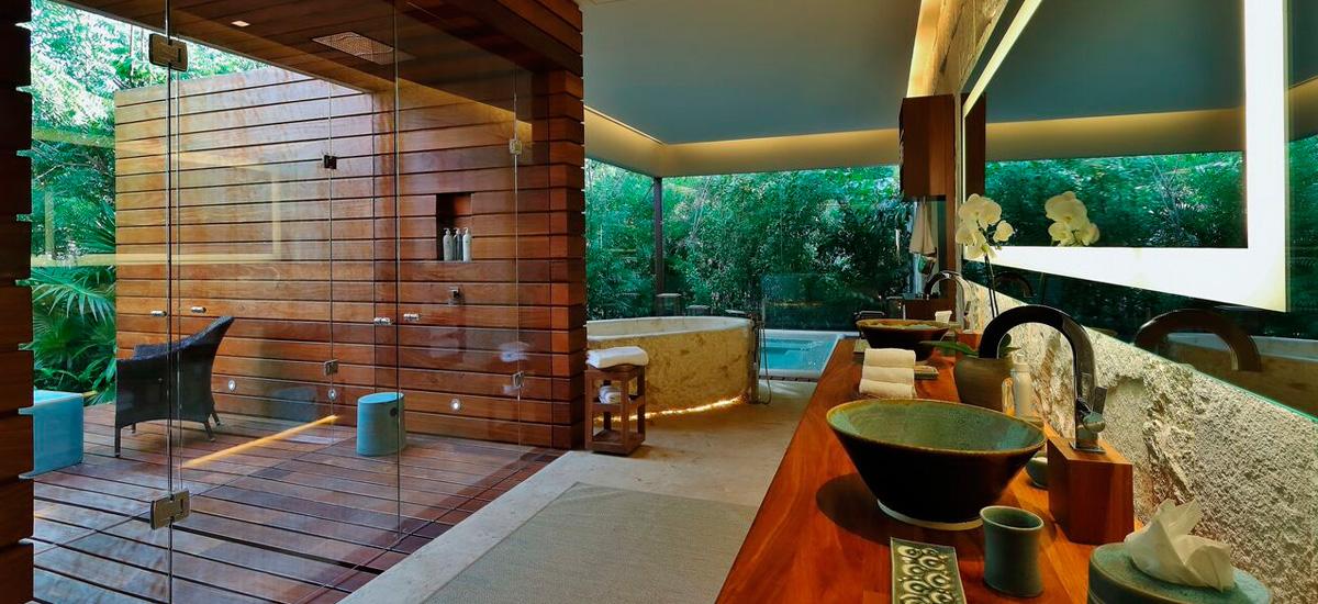the royal villa bathroom 2