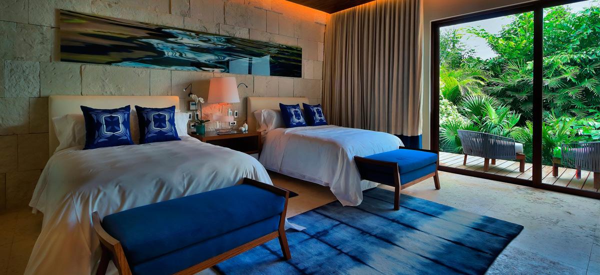 the royal villa bedroom blue