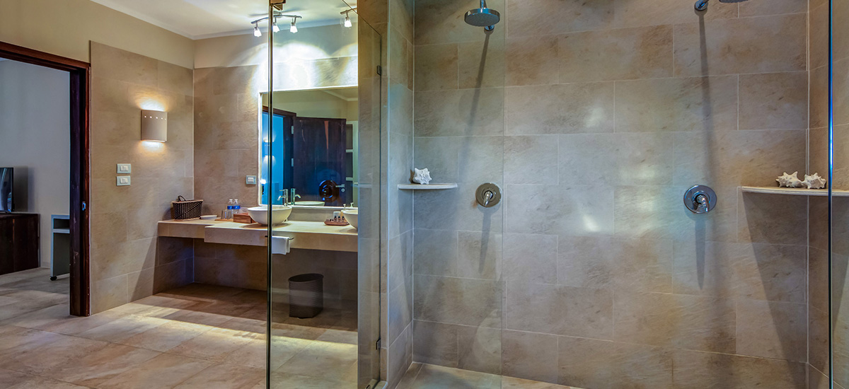 villa soliman shower