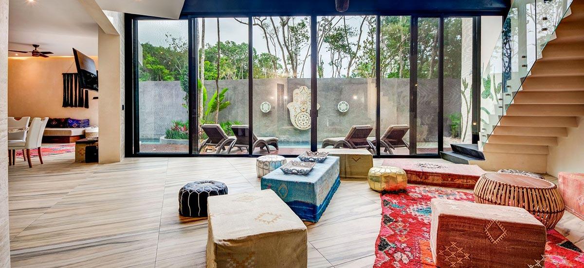 casa adama living room