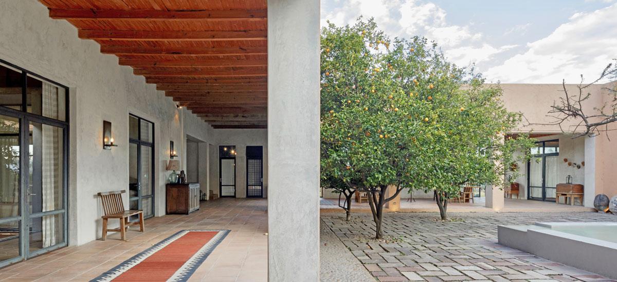 casa adela patio 4