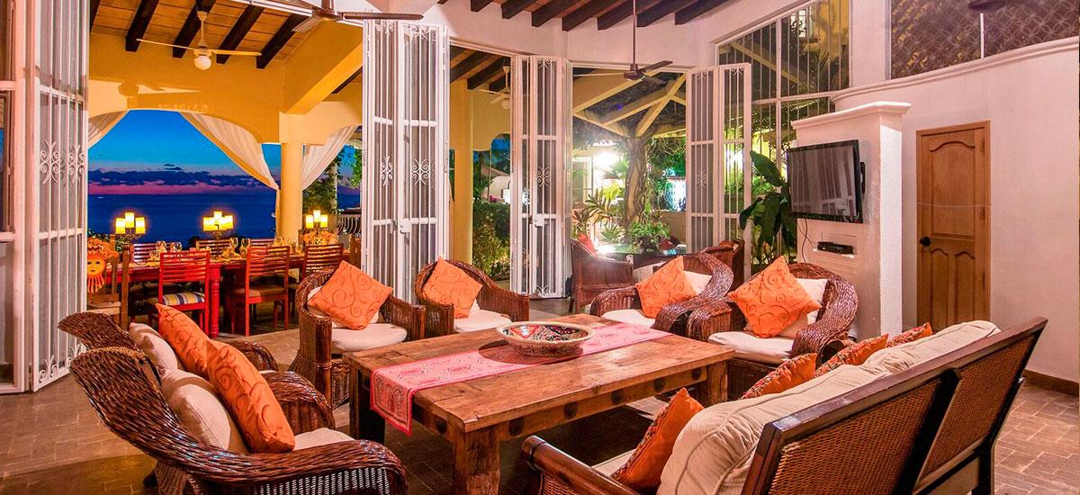 casa aventura table