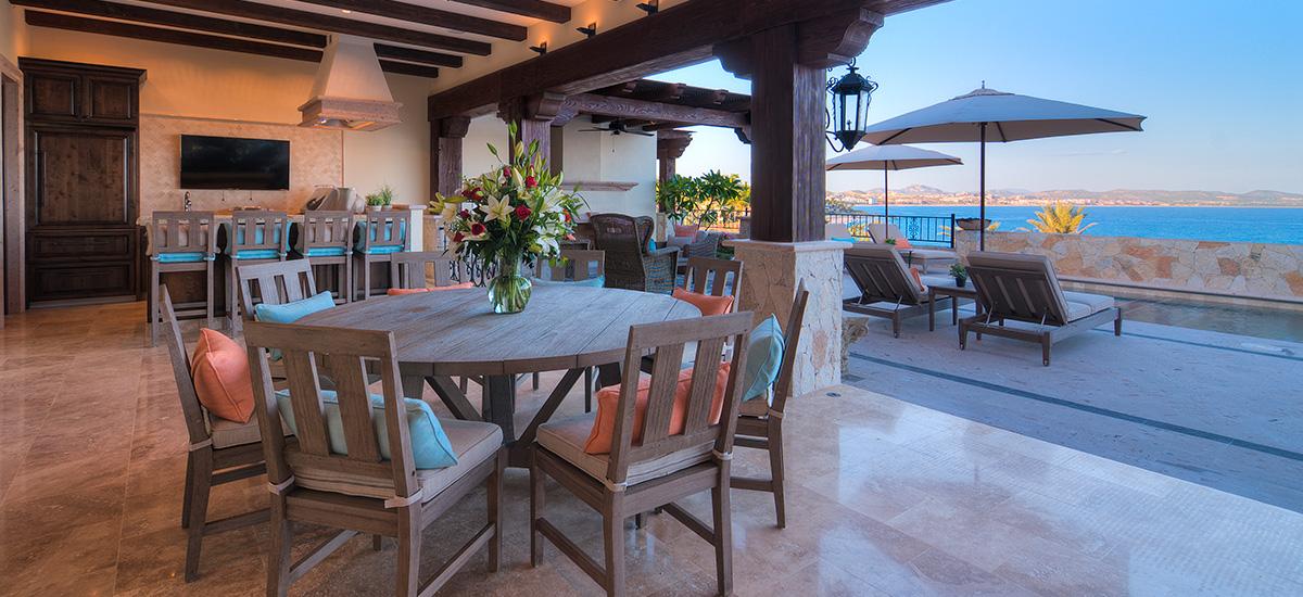 casa bella dinner room