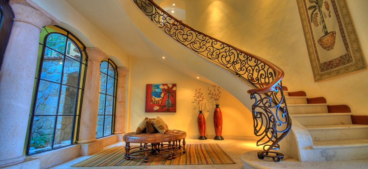 casa caletas stairs
