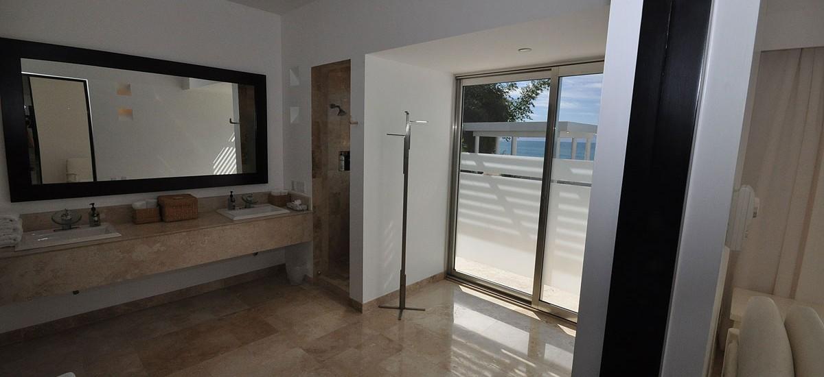 casa china blanca ocean pool