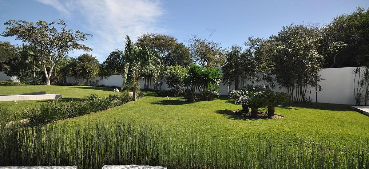casa china blnaca garden 3