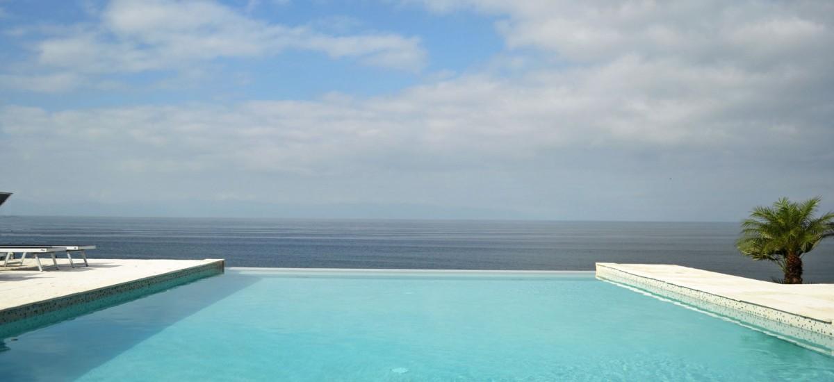 casa china blanca pool