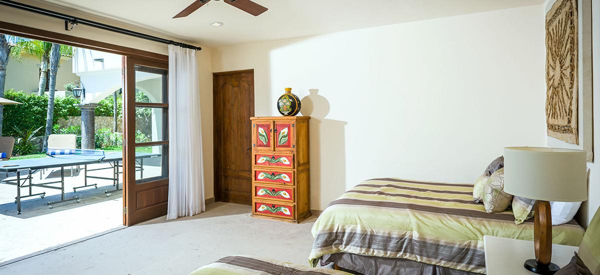 casa de cortes bedroom