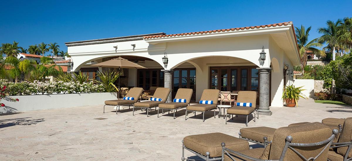 casa de cortes pool lounge 2