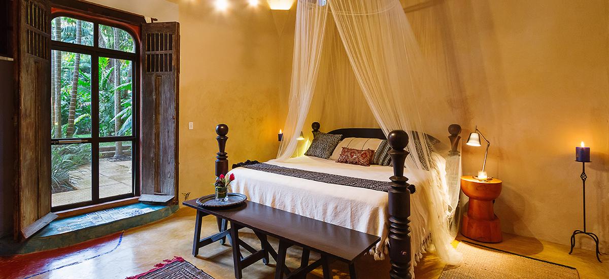 casa de maquinas vieja master bedroom