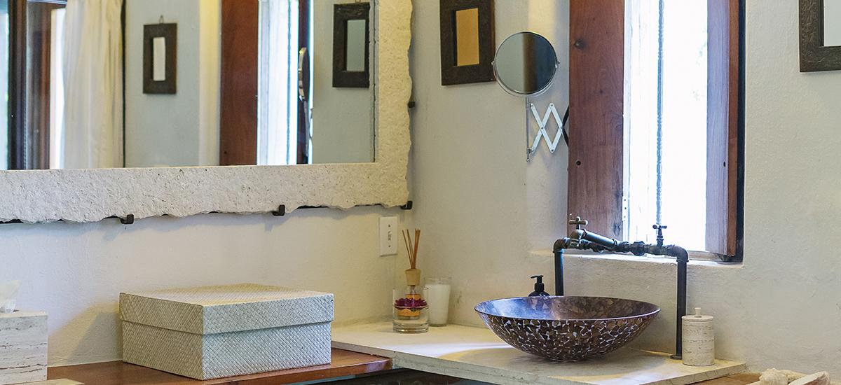 casa de maquinas casa viejo bathroom