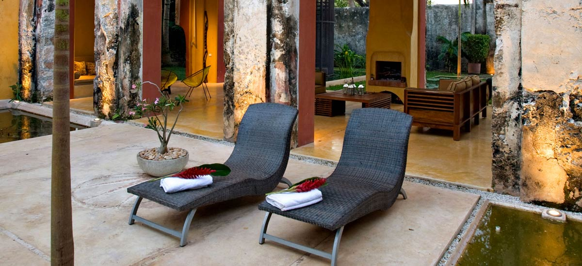 casa de maquinas lounge chairs