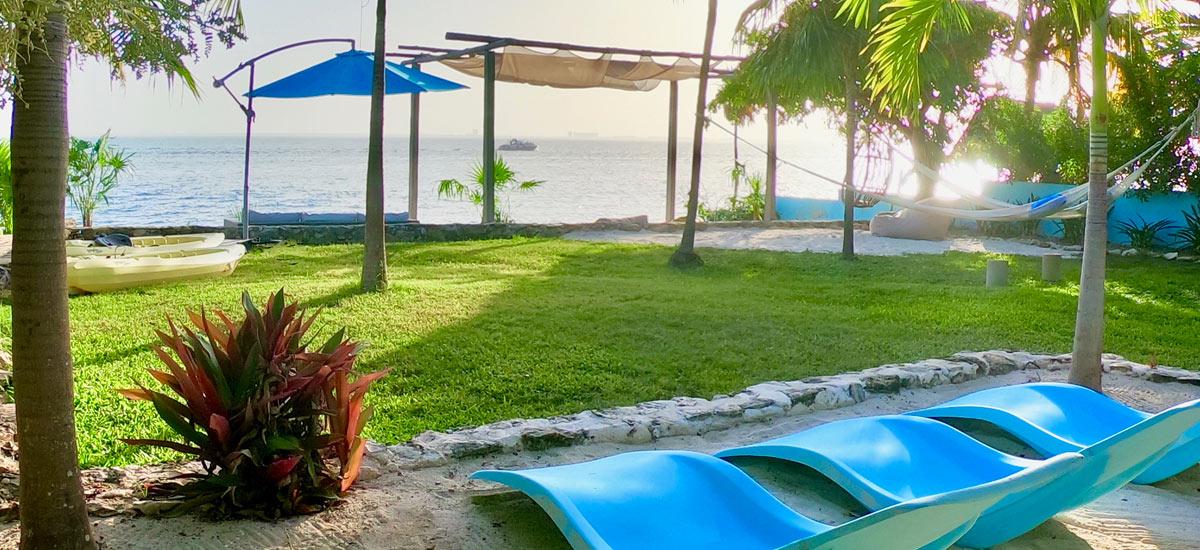 casa del cielo isla mujeres fornt yard view 4