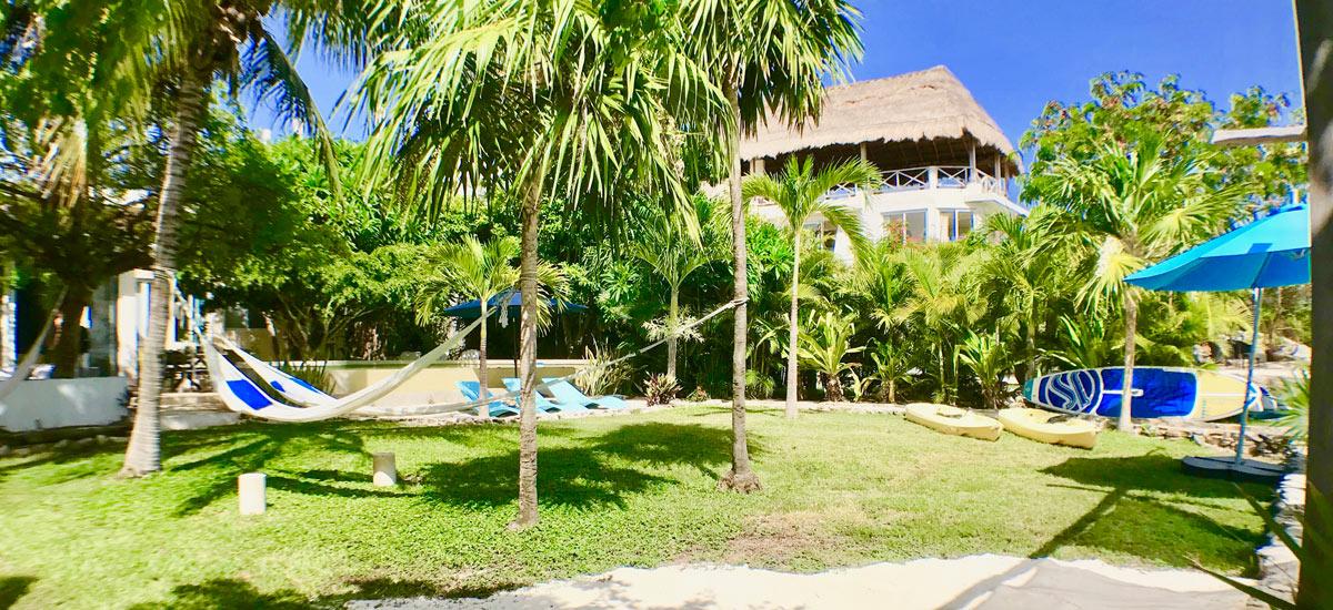 casa del cielo isla mujeres front yard view 5