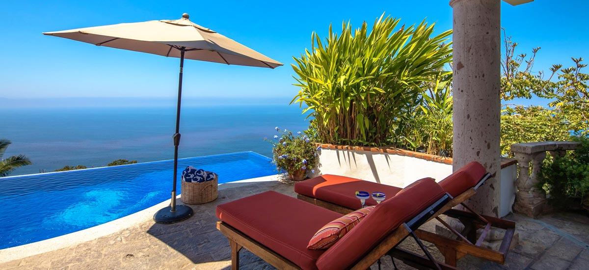 casa del quetzal infinity pool view 2