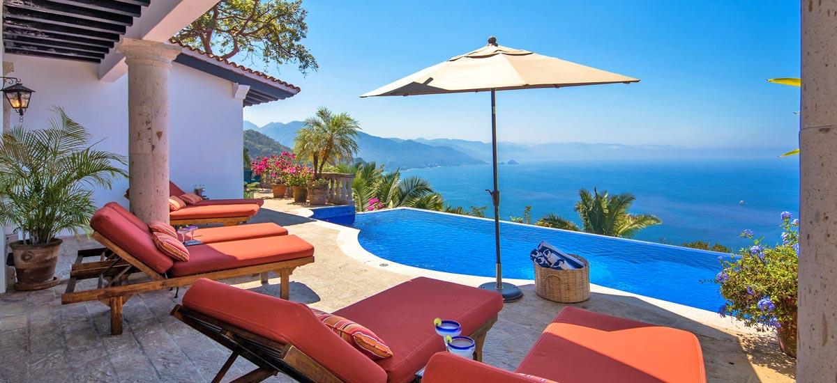 casa del quetzal infinity pool view 3