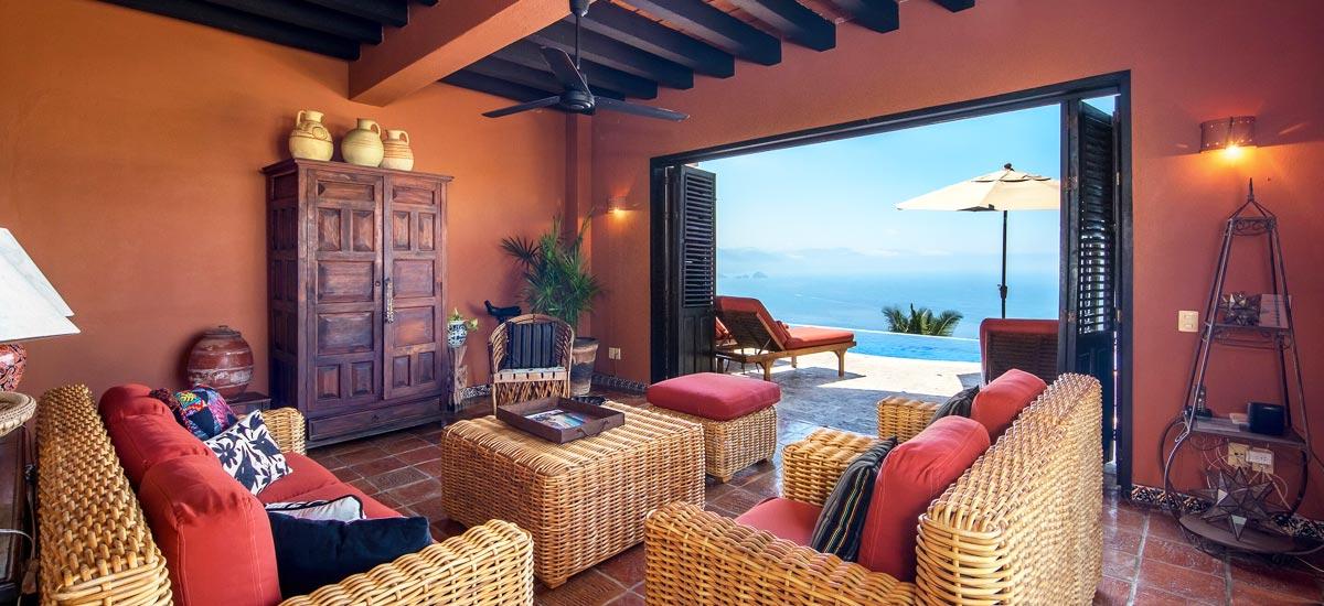 casa del quetzal living room