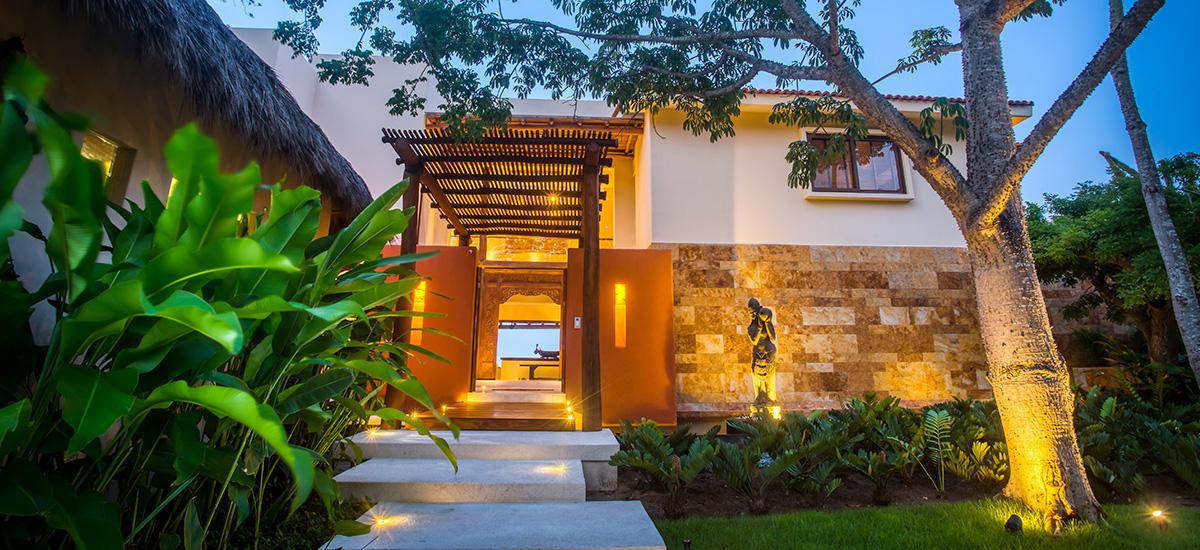 casa dewi front villa