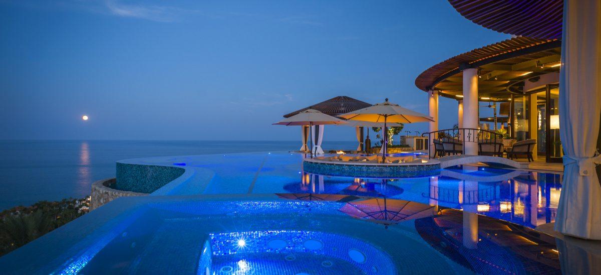 casa fryzer night pool