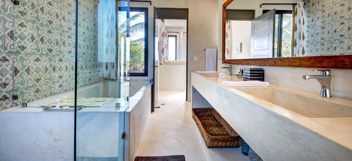 casa kevali bathroom 2