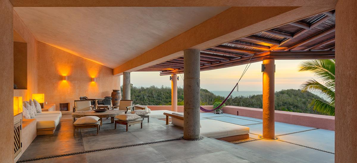 casa la ceiba livingroom