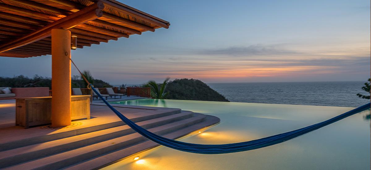 casa la ceiba pool