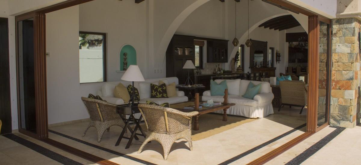 casa la laguna living room
