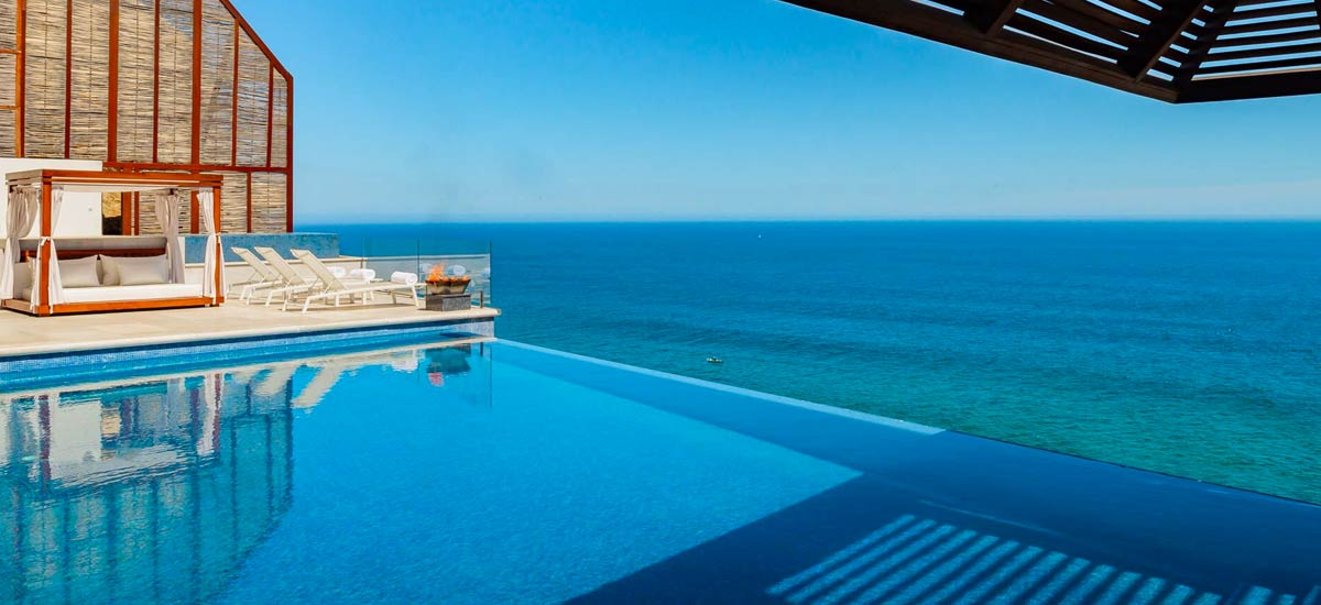 casa mantea infinity pool view