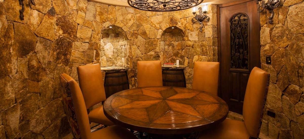 casa milagro dining room