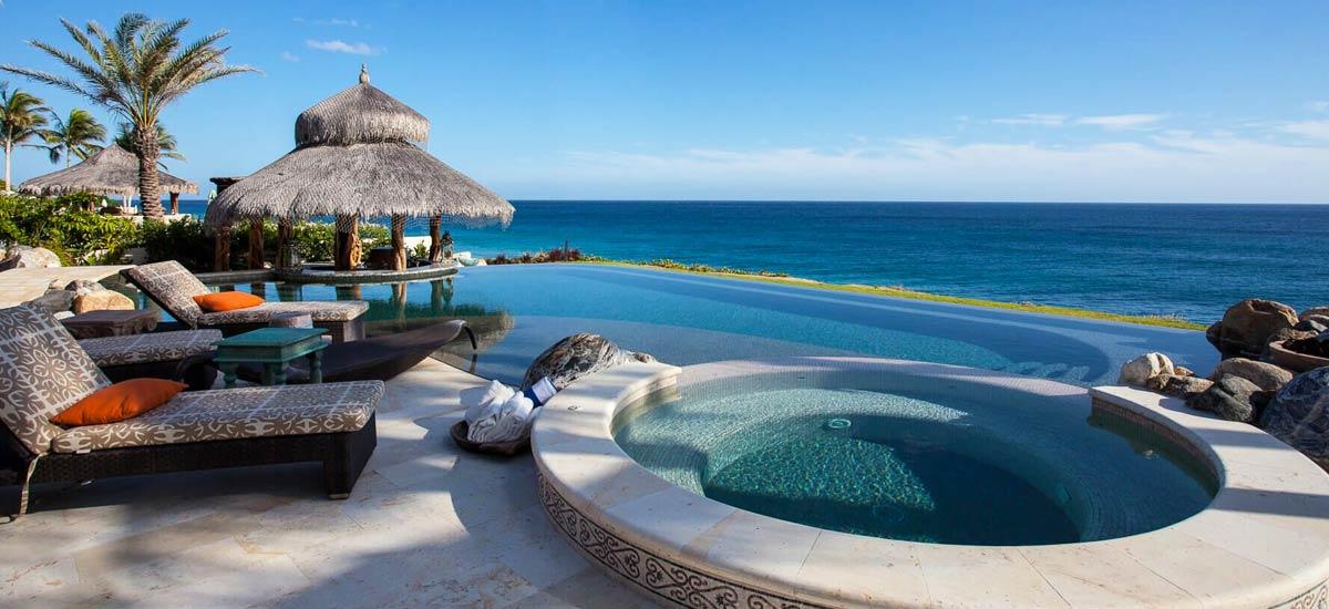 casa milagro infinity pool