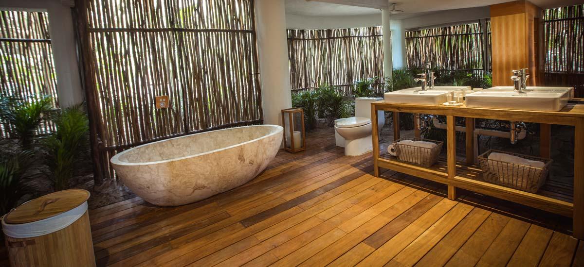 casa nalum full bathroom