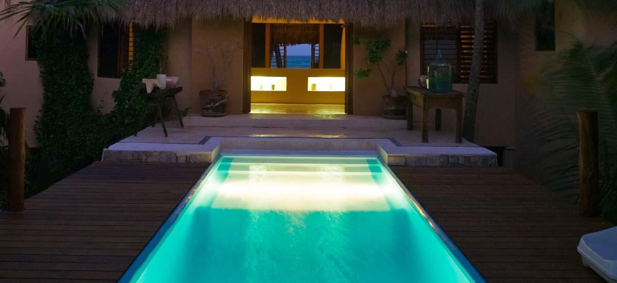 casa nalum pool at night