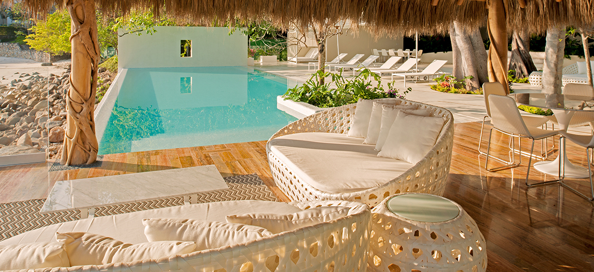 casa papelillos pool lounge