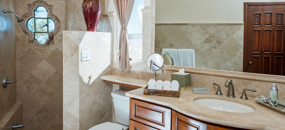 casa paraiso bathroom 1