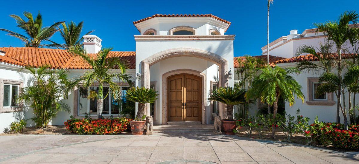 casa paraiso entrance 1