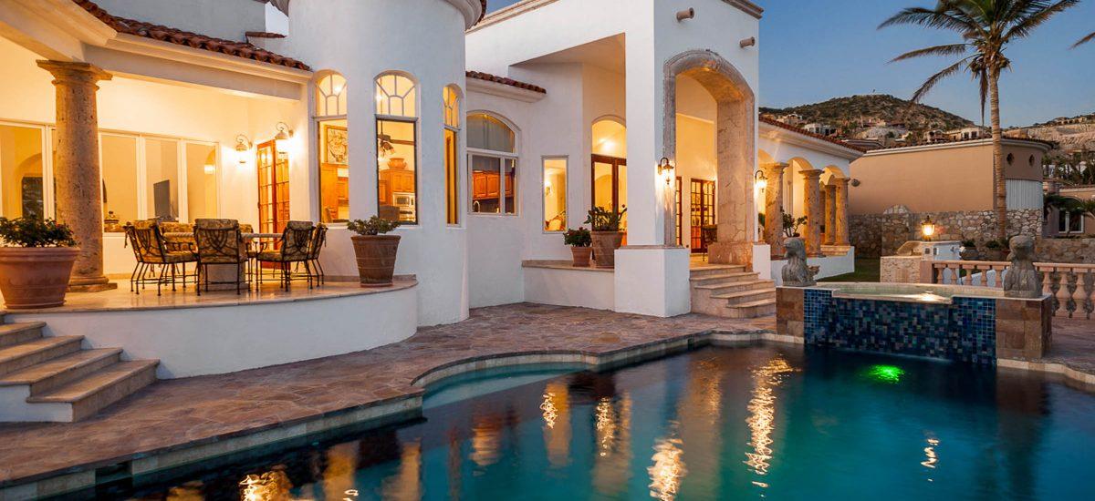 casa paraiso night pool 1