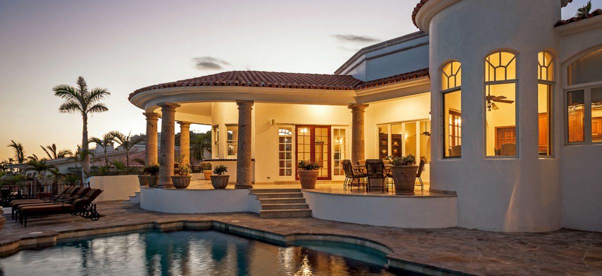 casa paraiso night pool