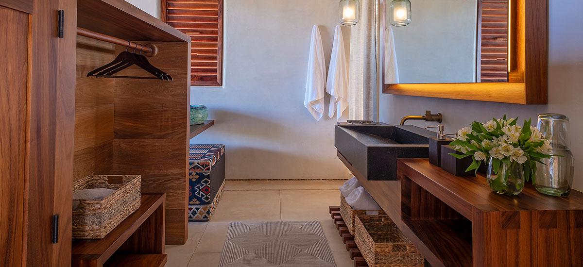 Casa Roka Guest bath 2