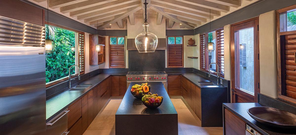 Casa Roka kitchen