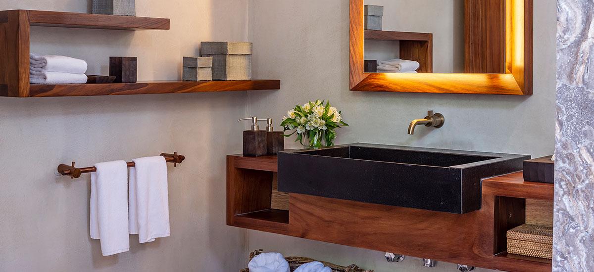 Casa Roka master 2 bath