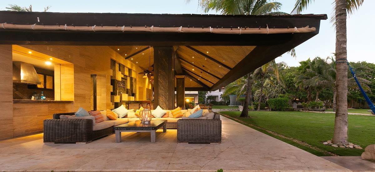 casa sirenus patio 2