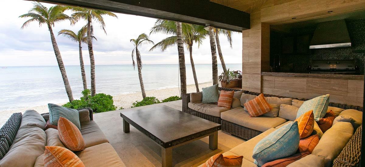 casa sirenus front beach