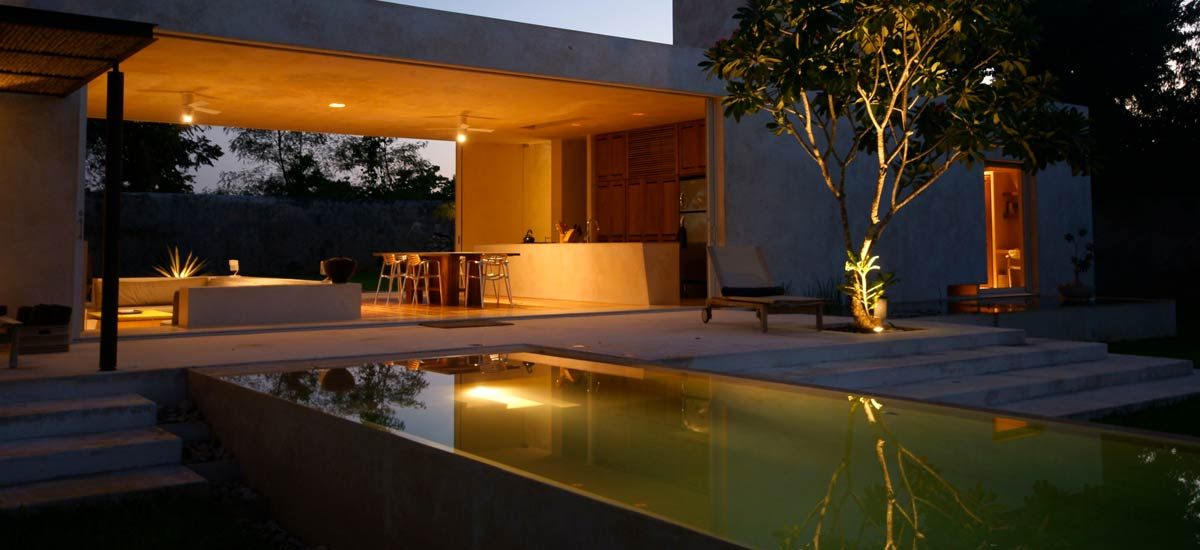 casa sisal at night