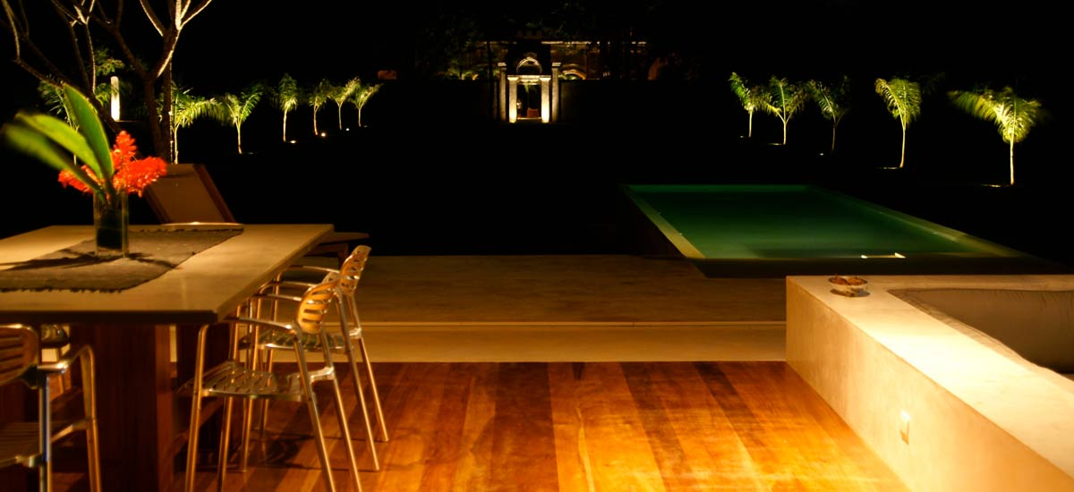 casa sisal garden at night