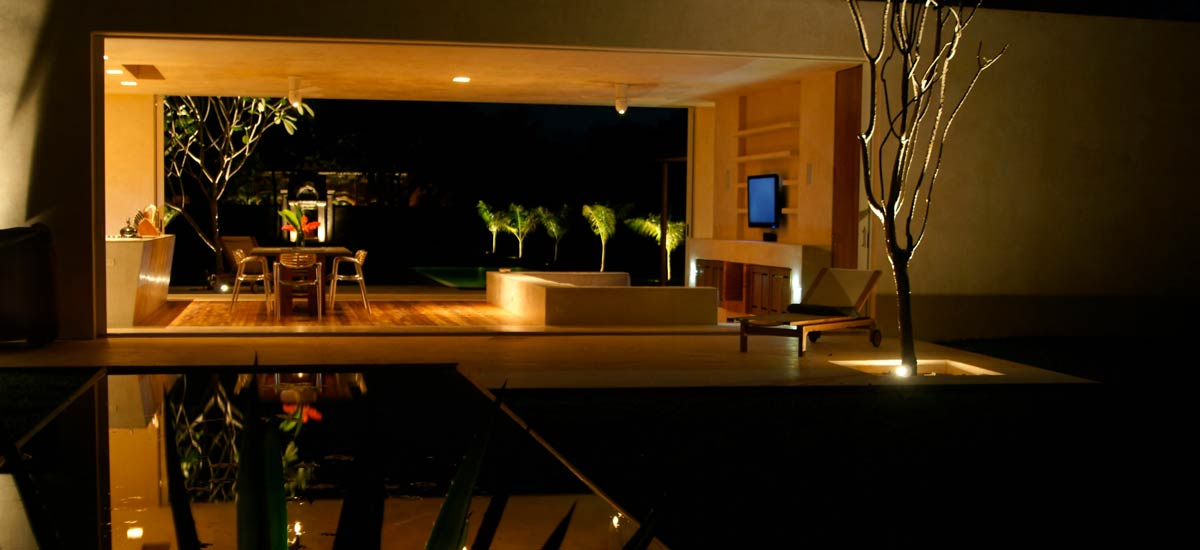casa sisal room at night