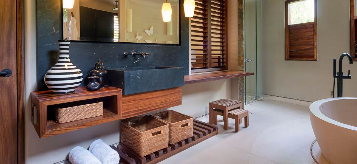 casa tau bathroom