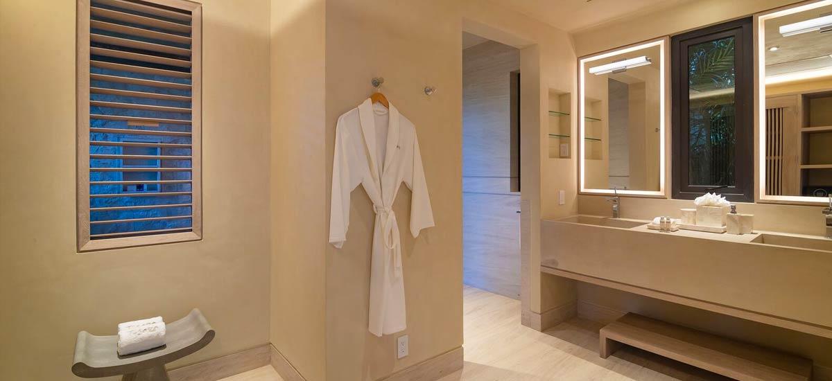 casa tesoro bathroom 2